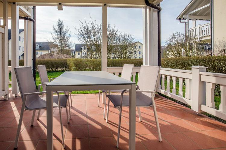 Ruegen-Binz-Ferienwohnung-DP-025-00 Terrasse